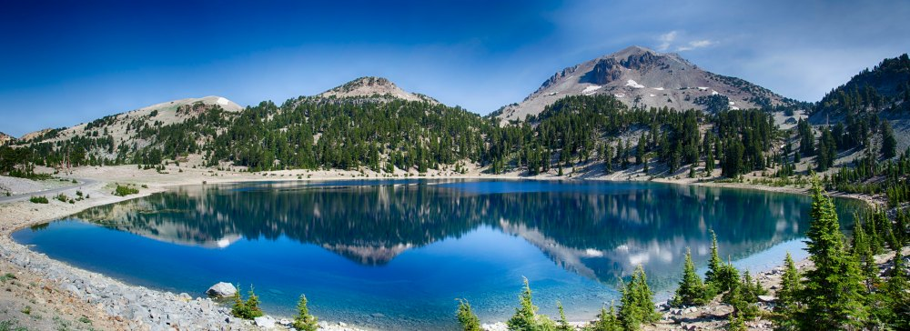 lake-helen-near-lassen-peak